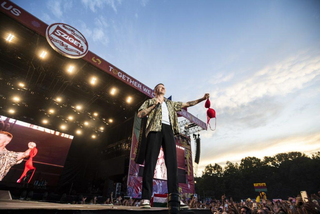 Macklemore aka Benjamin Hammond Haggerty amerikai rapper az óbudai Hajógyári-szigeten 2019. augusztus 10-én /// Fotó: MTI/Mónus Márton